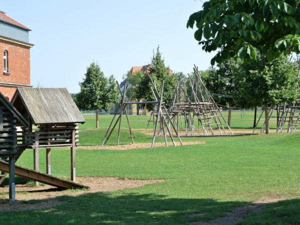 11-Spielplatz-im-Suedstadtpark